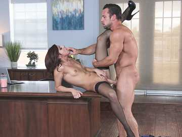 Shavelle Love in Naughty Office