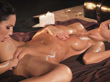 Tina Kay and Lilu Moon: When Two Women Love Each Other