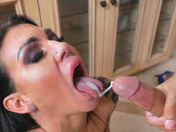 Melissa Lynn: Lesson With Squirting MILF