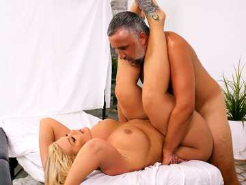 Julie Cash enjoys special birthday massage and passionate fucking with masseur
