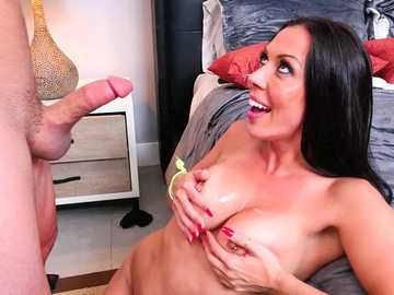 Kind man Tyler gets warm receipt from dark-haired milf Rachel Starr
