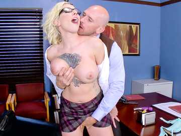 Johnny Sins takes advantage of super horny blonde slut Harlow Harrison