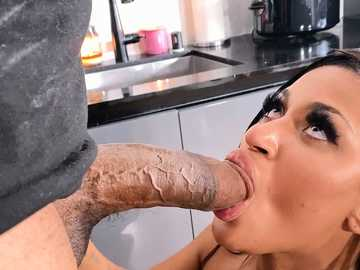 Sommer Isabella's Big Dick Delivery